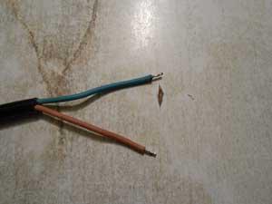 лужение выводов сетевого шнура